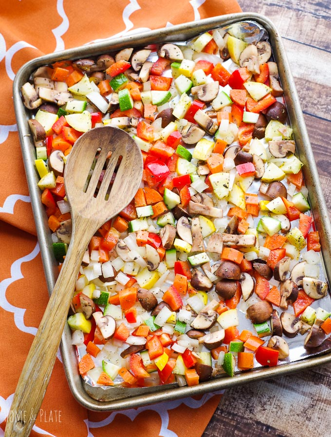#ad | Ancient Grains Salad with Roasted Vegetables | www.homeandplate.com | Start the new year off right with roasted vegetables, mild sorghum, protein- packed quinoa and whole grain brown rice tossed with goat cheese for a vegetarian dish that is nutritious and full of flavor.
