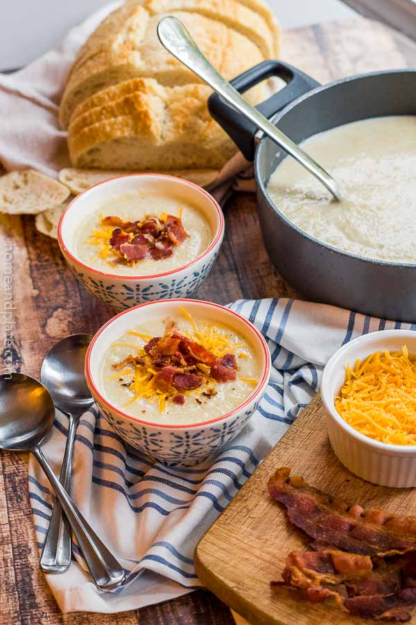 Creamy Cauliflower Cheese Soup | This loaded creamy cauliflower cheese soup is a healthy option that is full of flavor.