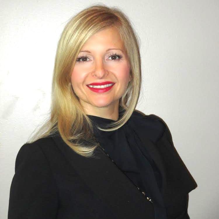 Lynn Blanchard – Senior Stylist