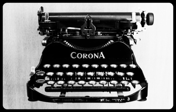 Corona portable typewriter (ca. 1920)