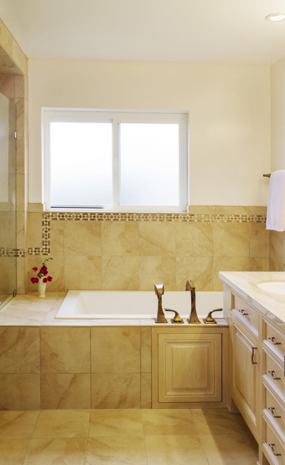 11-masterbathroom.jpg