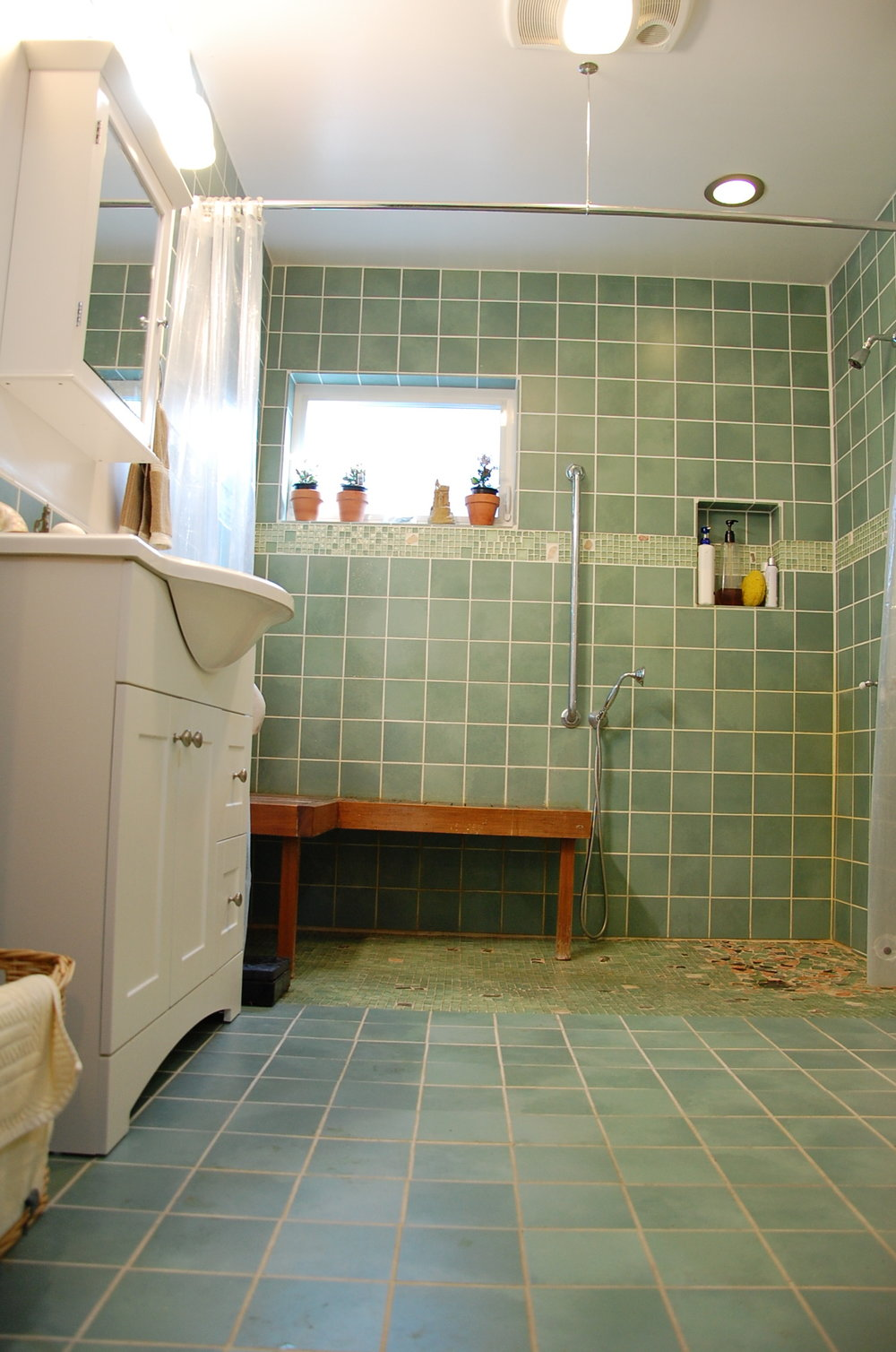 DSC_0015 bath green.JPG