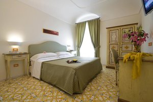 amalfi bedroom.jpg