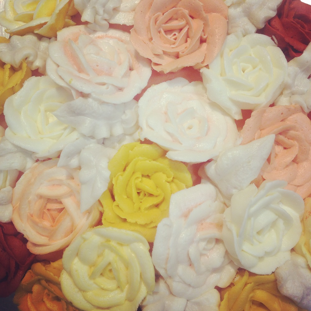 Butter-cream Rose Selection
