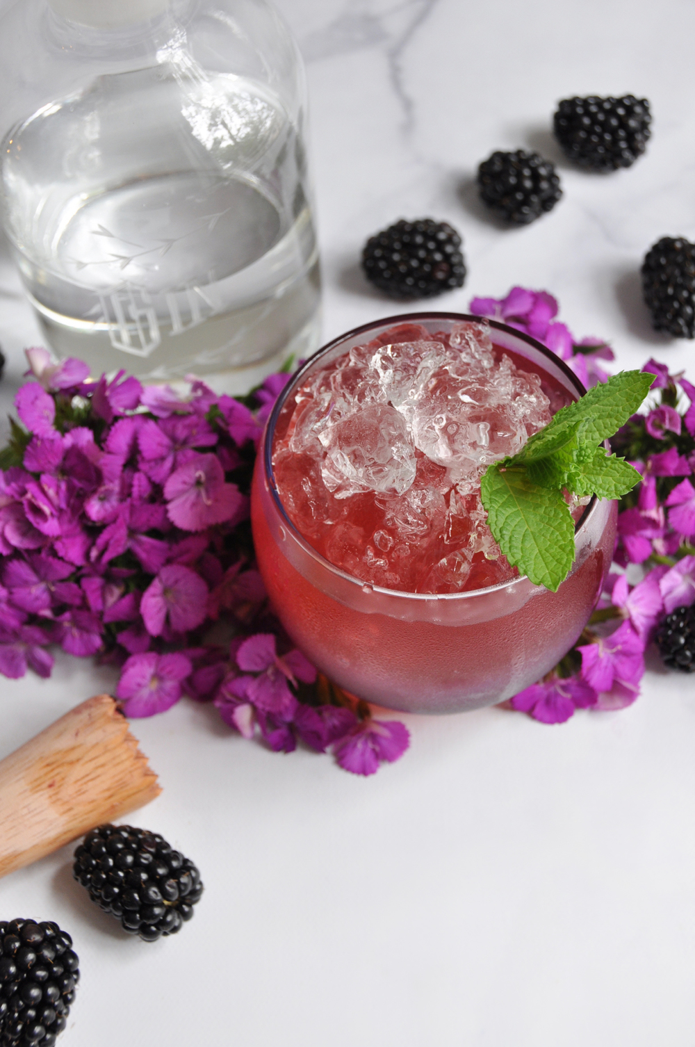 Blackberry Smash Summer Cocktail Recipe