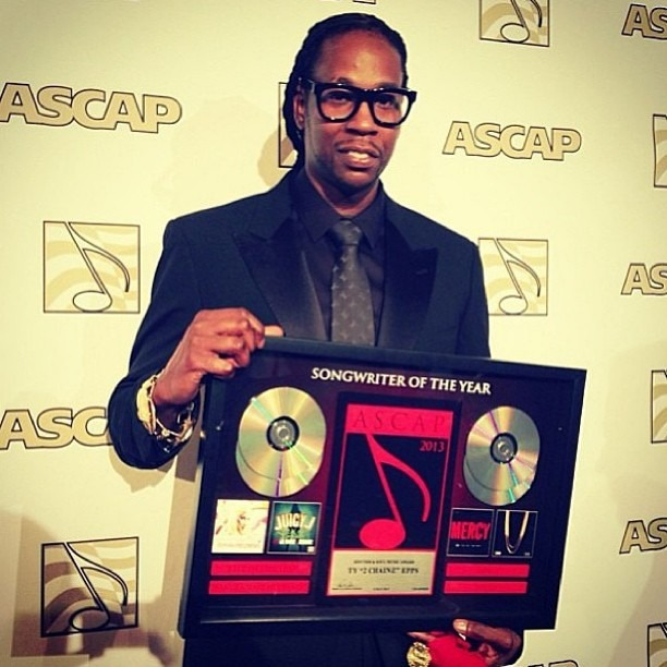 "Am I a ""hater"" or a competent person who understands English when I say that it is absolute bullshit for fucking 2 Chainz to be awarded ""Songwriter of The Year"" by ASCAP??? 2 Chainz = Monkey Porn"