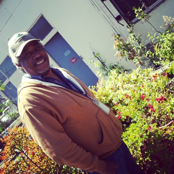 With all the recent news coverage and excitement about my upcoming Brighter Than Blight exhibition, the attention is on me. I appreciate the love, but couldn't do it all alone. Great folks like Keith McCree here that does landscaping to keep public housing beautiful had been a big help here to the project in Oakland.