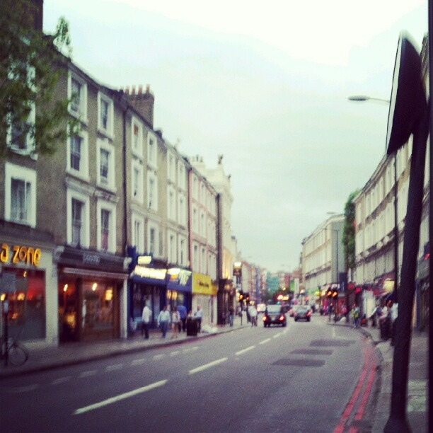 Everywhere here in London has been so packed and jumping w people. Its cool to hit a chill avenue. (Taken with  Instagram )