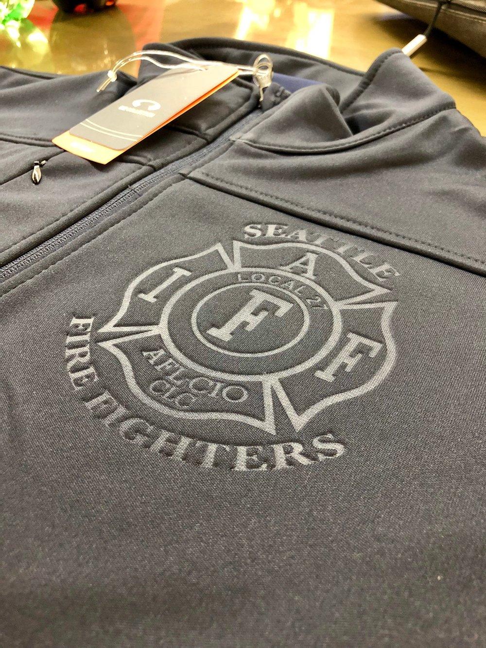 logounltd_laser_etching_embroidery_screen_printing_corporate_apparel_uniform_custom_tshirts_uniforms_dye_sublimation_kirkland_bellevue_seattle_redmond_branded_merchandise_promotional_products (5).jpg