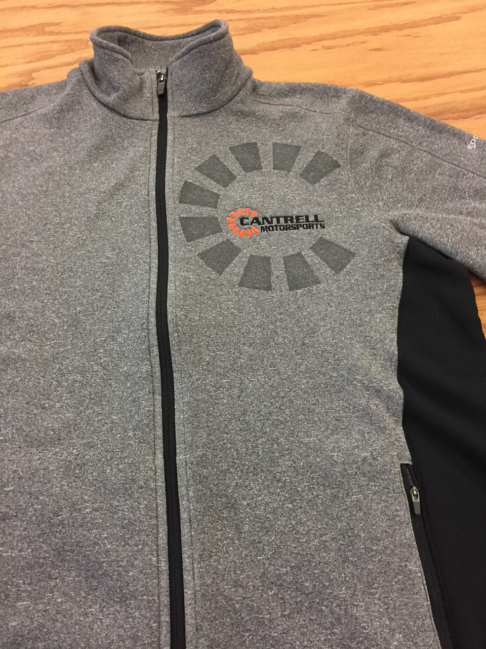 logounltd_laser_etching_embroidery_screen_printing_corporate_apparel_uniform_custom_tshirts_uniforms_dye_sublimation_kirkland_bellevue_seattle_redmond_branded_merchandise_promotional_products_logo_untd (80).JPG