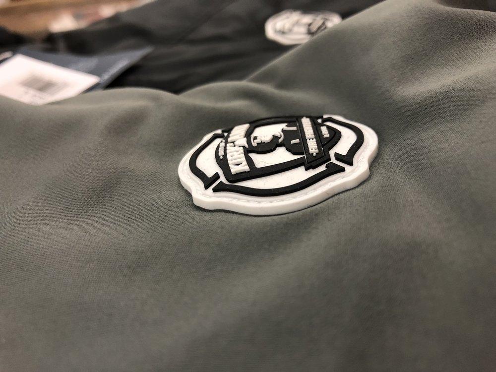 logounltd_laser_etching_embroidery_screen_printing_apparel_uniform_custom_tshirts_dye_sublimation_kirkland_bellevue_seattle_redmond_branded_merchandise_promotional_products_logo_unltd (2).jpg