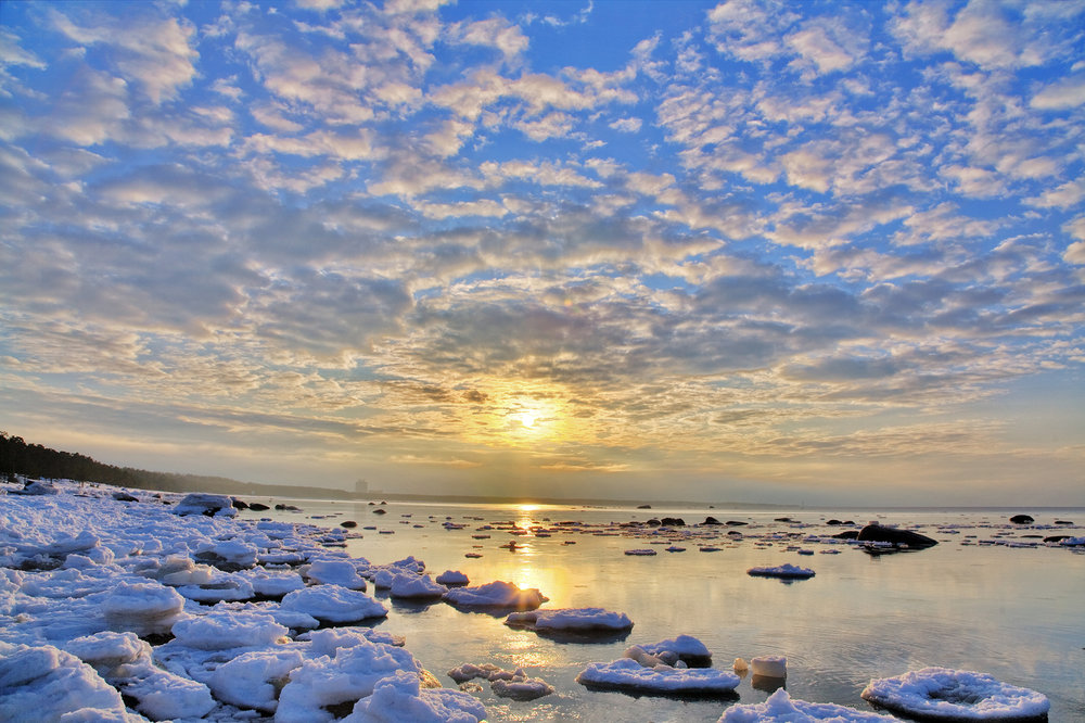 bigstock-landscape-with-winter-sea-unde-14793050.jpg