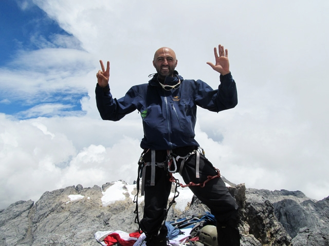 Mostafa_Salameh_completing_the_7_summits.jpg