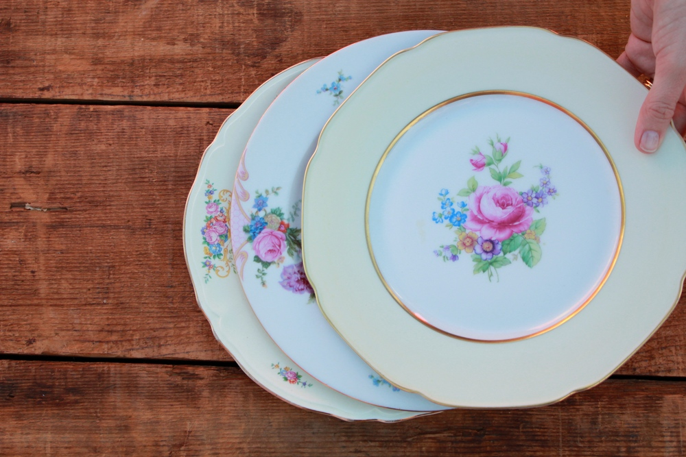 Our Golden Floral Dinner plate collection is a lovely mix of vintage floral dinner plates with golden rims and accents. & Mixed Floral Dinner Plates u2014 Otis + Pearl Vintage Rentals