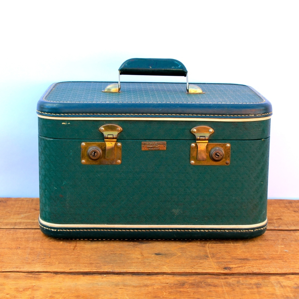 Vintage Green Traincase