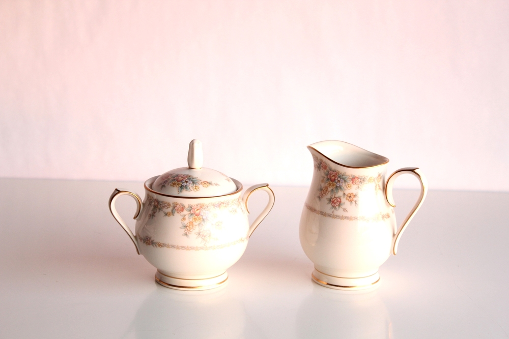 Soft Floral Collection Creamer + Sugar