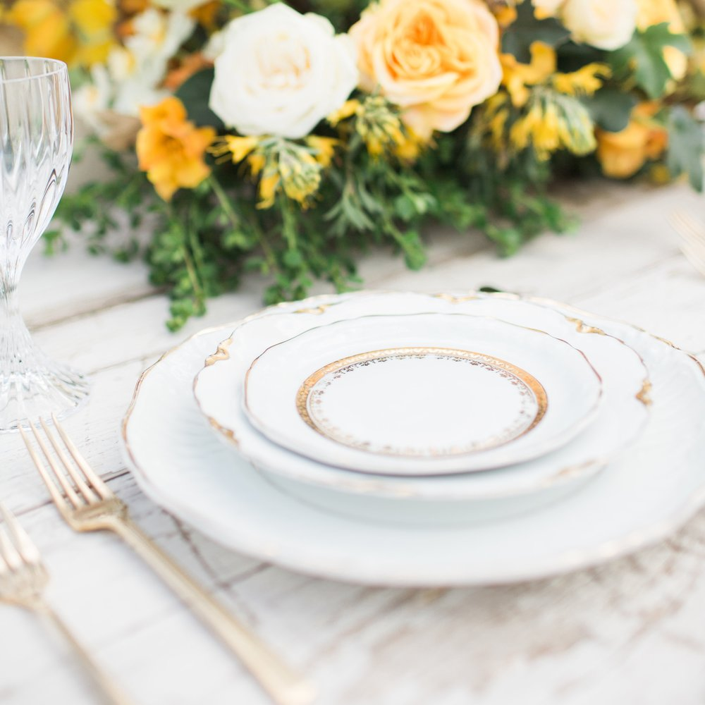 White + Gold Collection Dessert & Bread  Plates