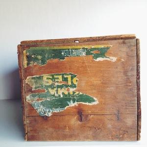 Vintage+wood+box.jpeg