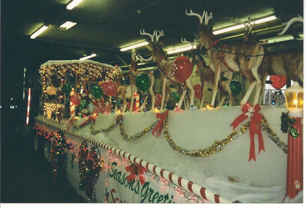 santa_claus_parade_2000.jpg