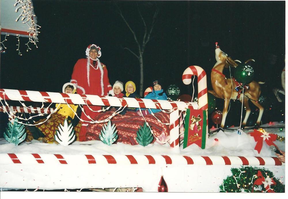 santa_claus_parade_2000_01.jpg