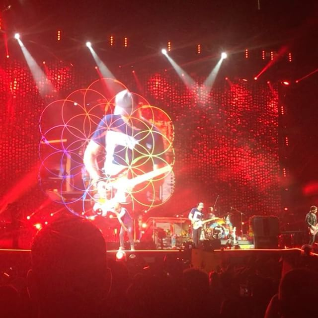 Coldplay A Head Full of Dreams Tour in Toronto #ColdplayToronto #aheadfullofdreams #rogerscentre #concert #fireworks #confettiX1000000 #incredible