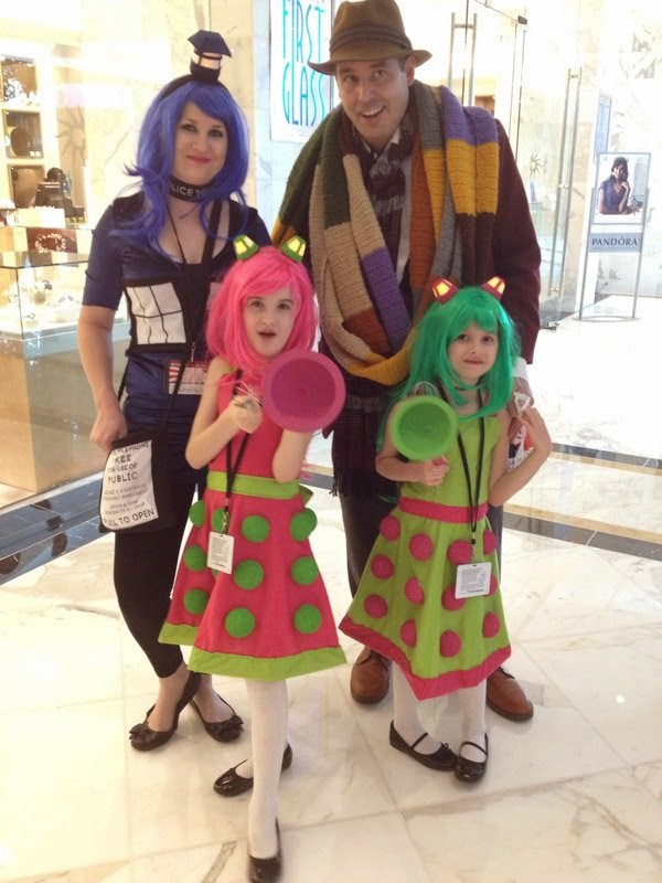 6b957d13f70496bc0c4b4568a57a8987-doctor-who-family-cosplay.jpg