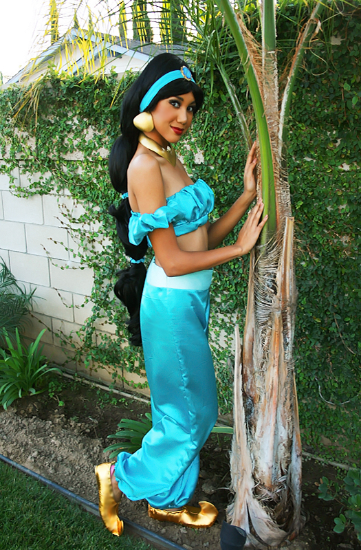 Cosplay Girl Of The Week 132 Princess Jasmine Otakus Geeks