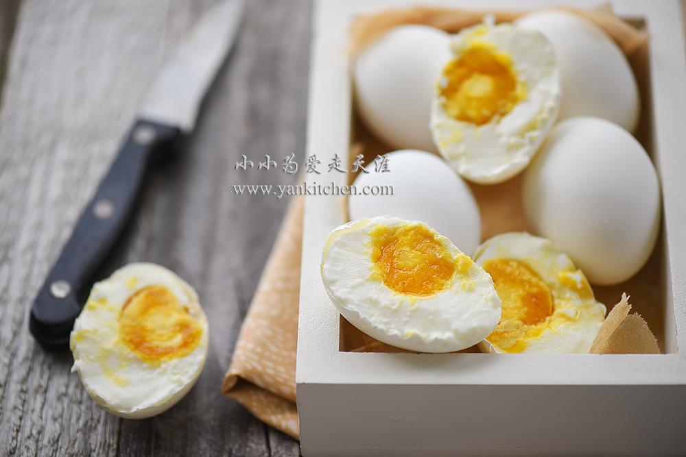 (  * 好久好久以前写的这个菜谱啦,去年因为换了网站和图床,以前的图片挂掉了,所以上个月腌鸡蛋的时候,重新拍了一套片片,方子还是用的以前写的。)