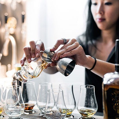 Never realized how freaky my double-jointed fingers look in pour photos... 🖖 Click the link in my bio to learn more about all the different cocktail making and spirit tasting workshops we offer at The Woods! We have slots available for Valentine's Day (last minute plans, anyone?!) and anytime you're looking for a fun, boozy but still educational night out with friends or corporates. Message me if you have any particular questions or would like me to customise a session for you! Ever on our mission to helping you take an educated sip 😉 #sipstraight