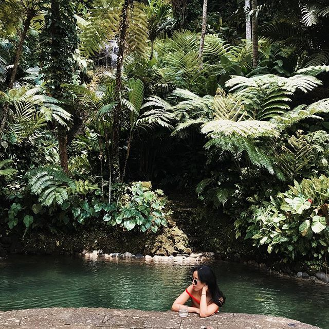 Rainy day dreaming of this little oasis at @comoshambhalaestate #Bali... A steep jungle walk down towards the river leads to these stunning fresh water pools fed by trickling streams. Only problem is trekking back up 😂 Such a dream compared to this dreary chilly weather in HK right now! #beautifulplacestodrink