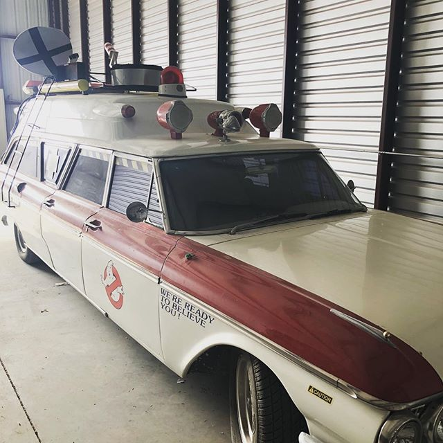 Sometimes you open up a garage & it's a nightmare. Other times, it's totally empty with the exception of the Ghostbusters ambulance 💜🇺🇸💯 #garagedoorrepair #iaintafraidofnoghost