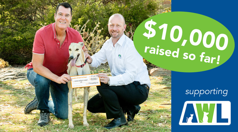 Multi-Award Winning Photographer Mark Trumble presenting a cheque to Richard Mussel, CEO of the Animal Welfare League SA