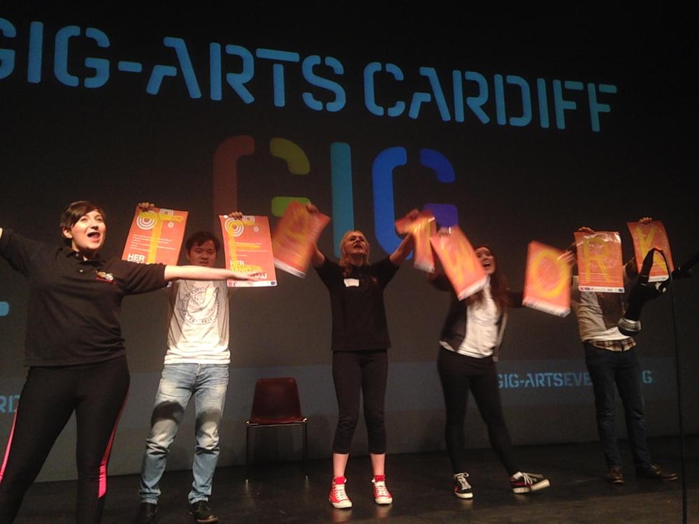 CardiffGig-ArtsDancers.jpg