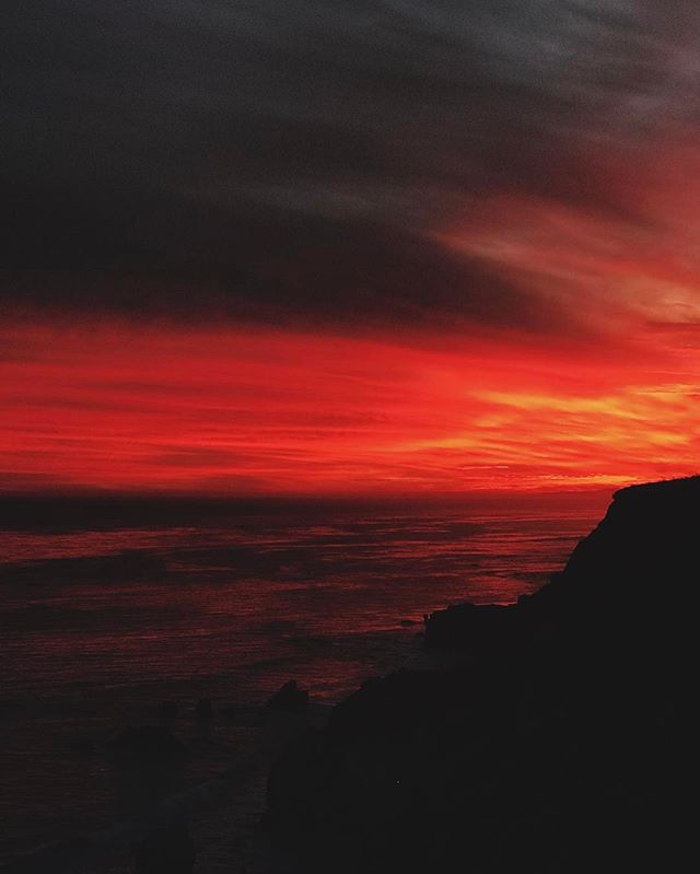 Malibu sunset to die for #light #california #usa #vscocam #sunset #vsco #malibu #cali #light #usa