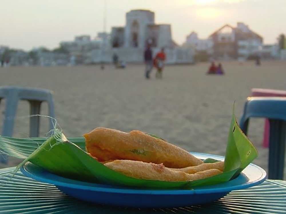 Chilli bajjis at Besant Nagar beach, Chennai; Dec 2006