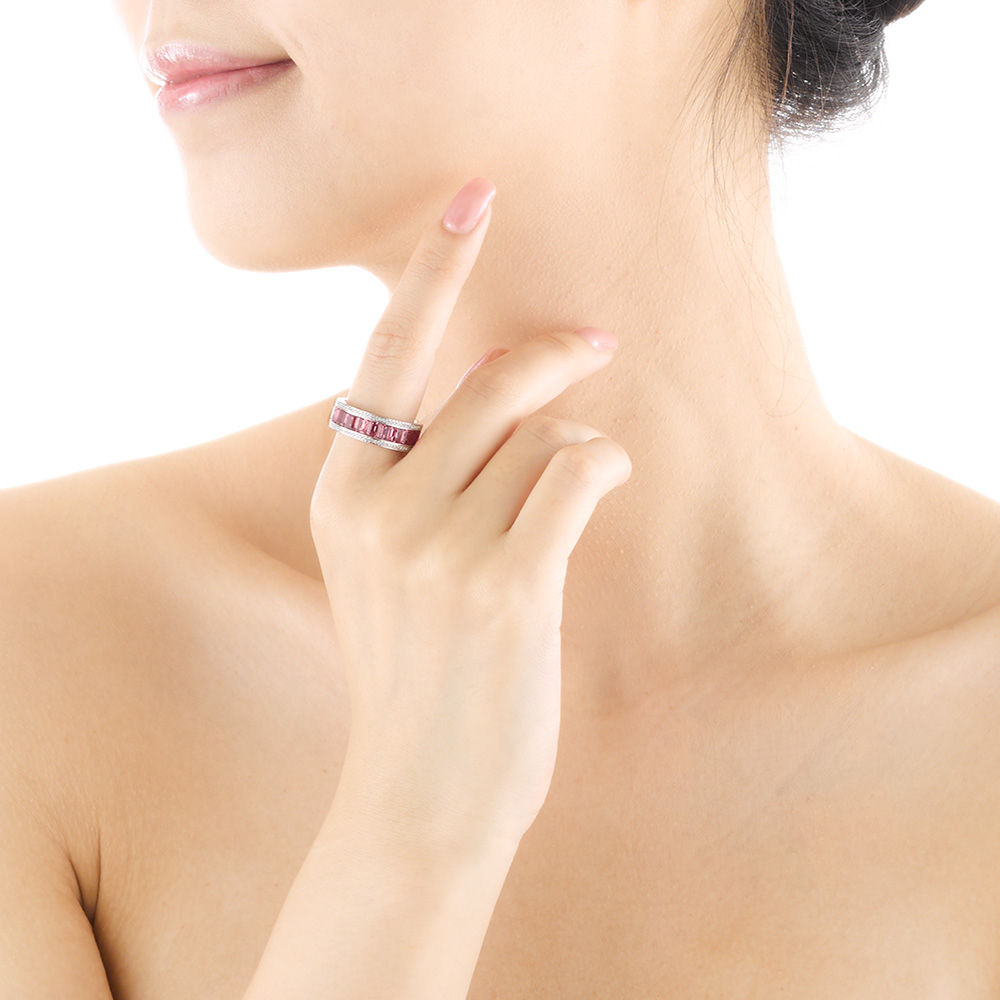 Jewelry_product_model_shot_3878 _HR.jpg