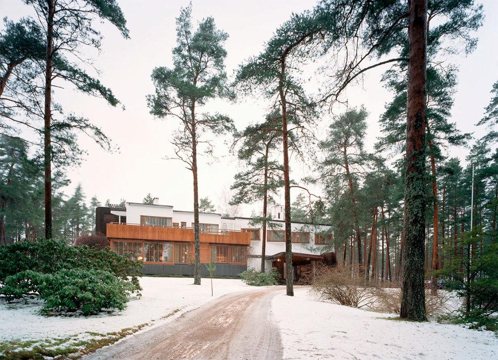 Villa-Mairea-Alvar-Aalto-7.jpg