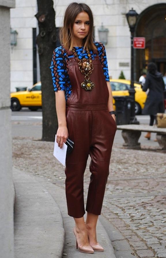 Overalls-Dungaree-Street_Style-Trend-Petos_Vaqueros-Monos_Cuero-12.jpg