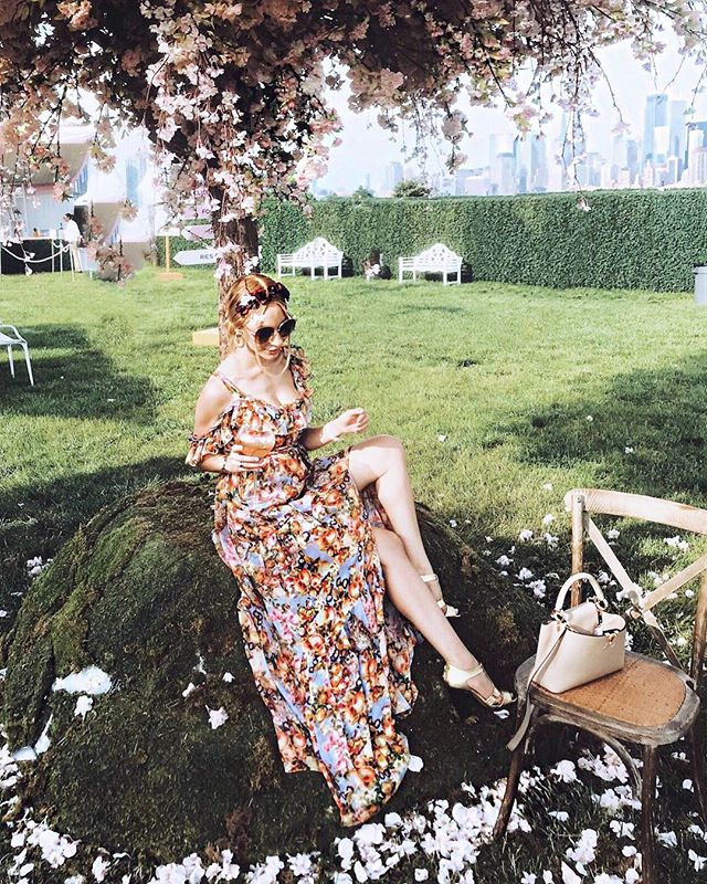 ready to do it all over again @veuveclicquot - wore this beautiful dress by @uliherznerofficial to the polo classic yesterday & it was pure perfection 🥂🌸🌺🍾 (tap4deets) #veuveclicquotpoloclassic #veuveclicquot #poshestyle