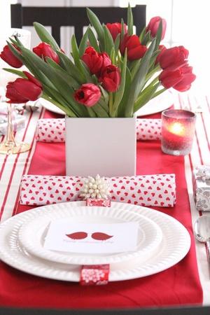 romantic-valentines-day-table-settings-43.jpg