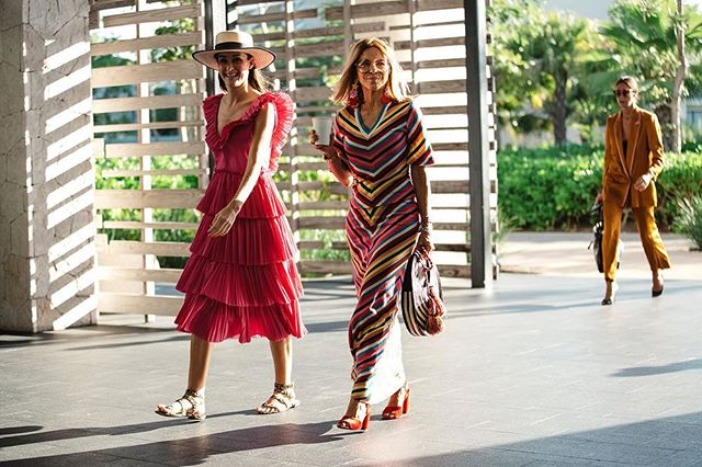 Gorgeous @tutibarrera & @irmastyle rocking our #gardenearrings during @latinamericanfashionsummit #lafs2018 @andazmayakoba.mx • Captured by @aldo_decaniz 📸🖤 • Nothing looks better than a wonderful 🌈!!
