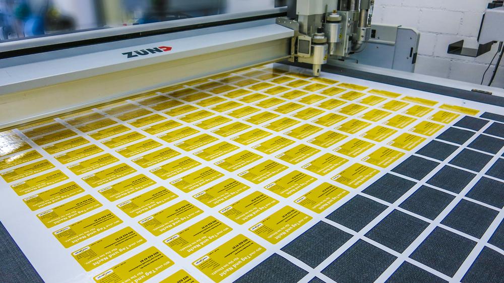 Konturschnitt - Bei uns werden konturgeschnittene Aufkleber genau nach Ihren Vorstellungen gefertigt. Auch extravagante Designs setzen wir gerne um.