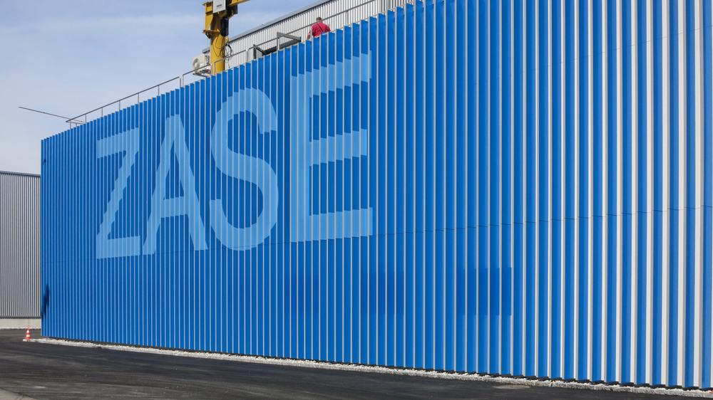 ZASE-Fassade-Blau.jpg