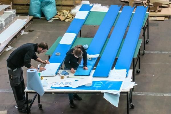 Montage auf Platten - Folien direkt auf Panelen montiert
