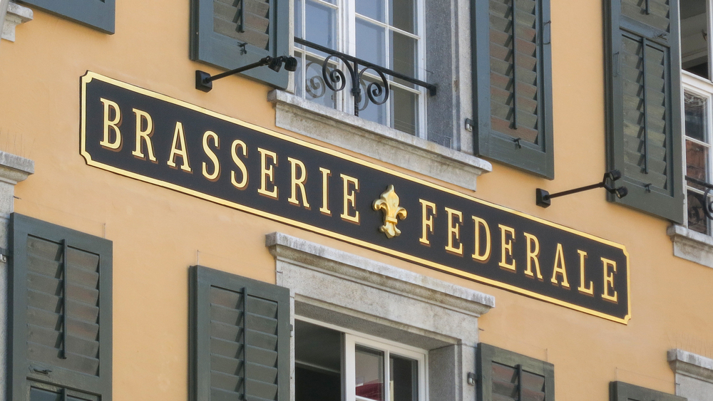 Brasserie-Fassade-ganz.jpg
