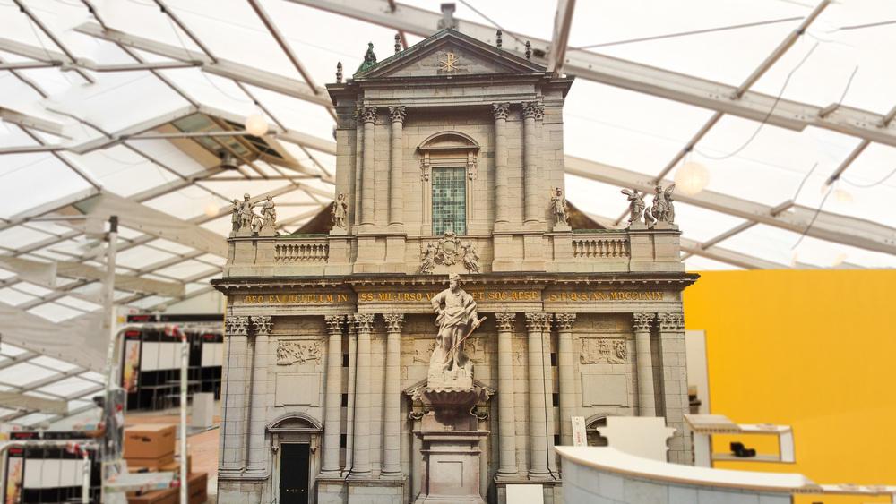 St.-Ursen-Kathedrale-aus-Holz.jpg