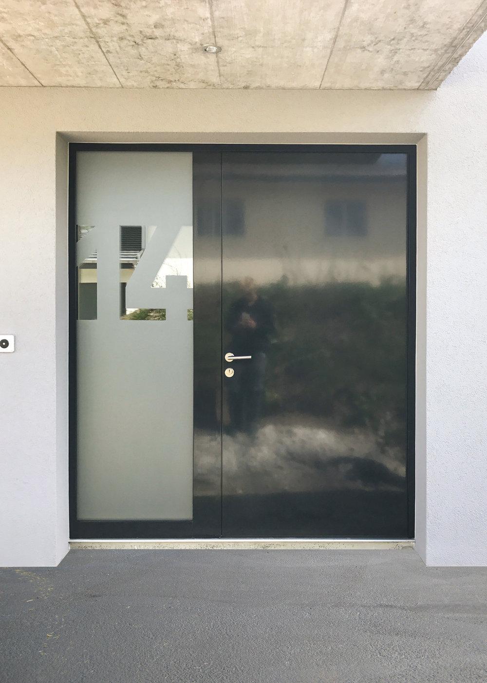 Sichtschutz auf Haustüre