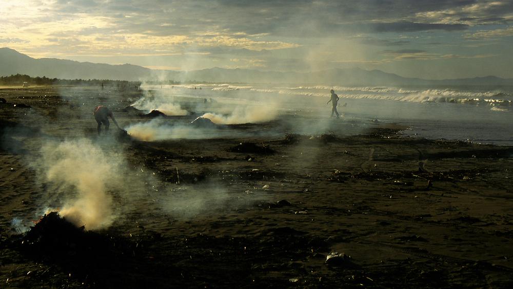 smoky beach1500.jpg