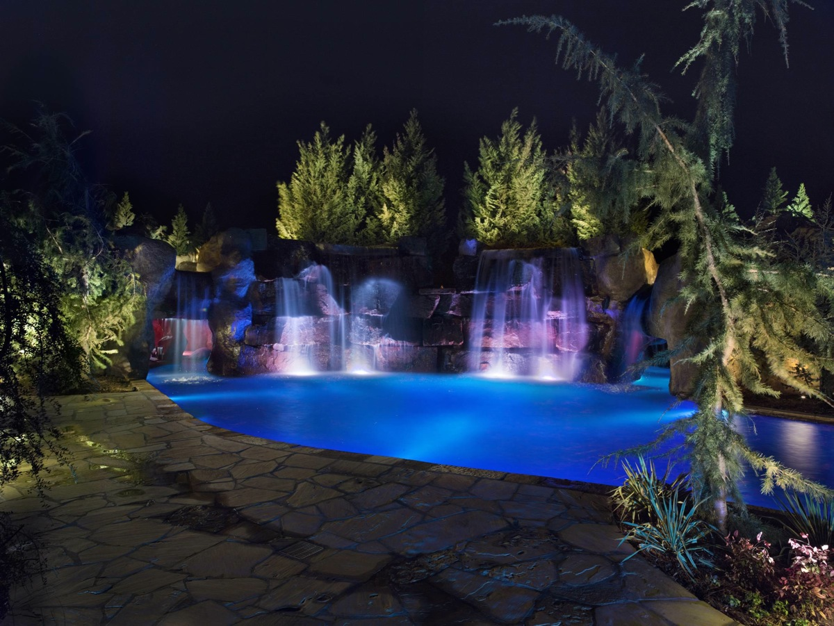 mustang 5jpg - Cool Pools With Waterfalls In Houses