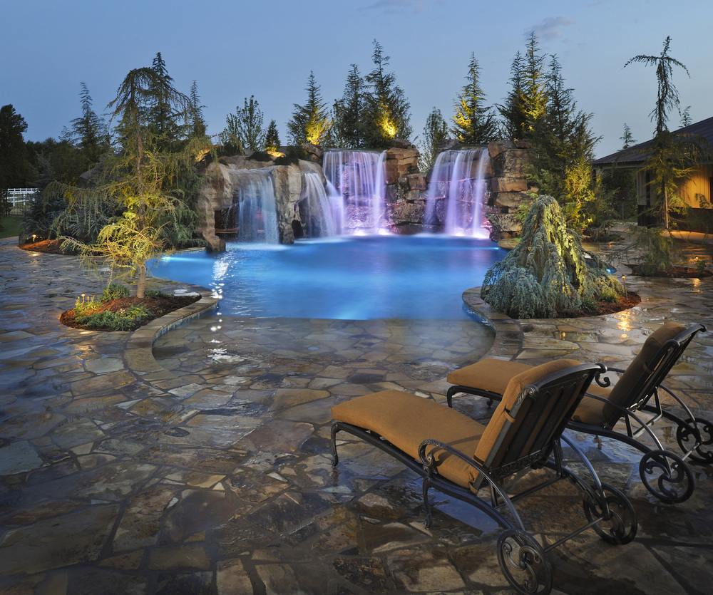 Richland estate caviness for Pool kings design